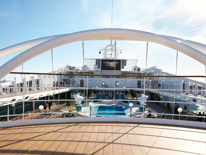 Pont extérieure du bateau de croisière MSC Orchestra