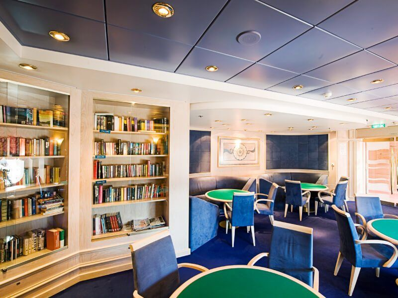 Bibliothèque du bateau de croisière Costa Lirica