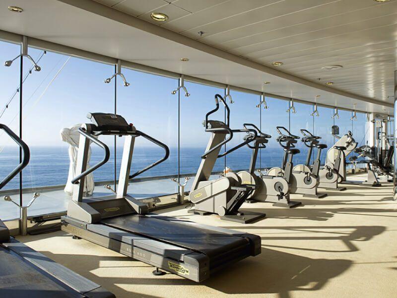 Salle de sport du bateau de croisière Costa Lirica