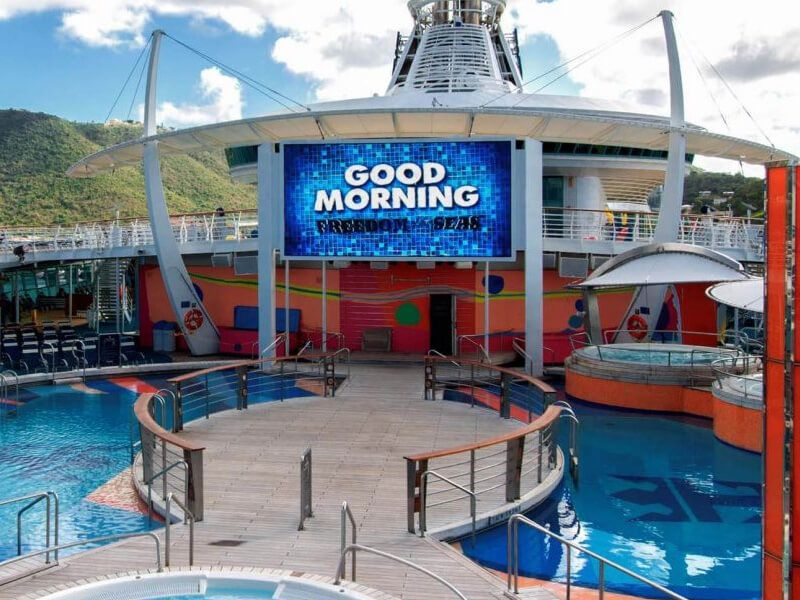 Piscine-Independence-of-the-Seas