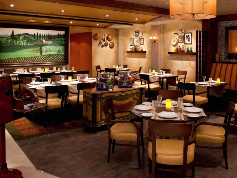 Restaurant-Giovannis-Independence-of-the-Seas
