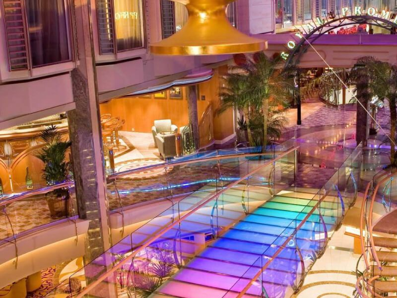 Royale-Promenade-Independence-of-the-Seas