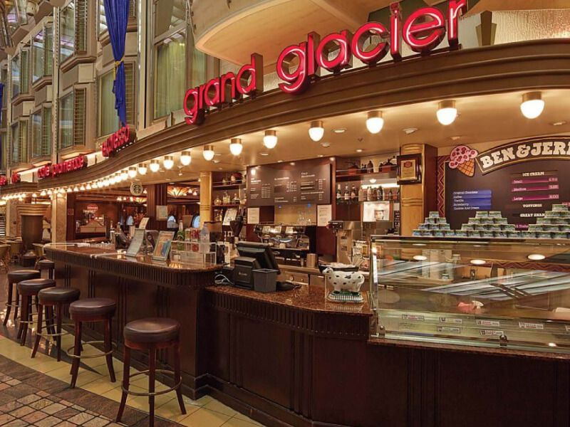 Royal-Promenade-Cafe-Mariner-of-the-Seas