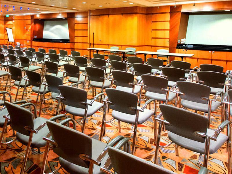 Salle de conférence du bateau de croisière Allure of the Seas