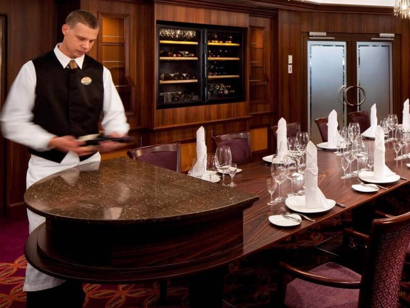 Restaurant-Chef-Radiance-of-the-Seas