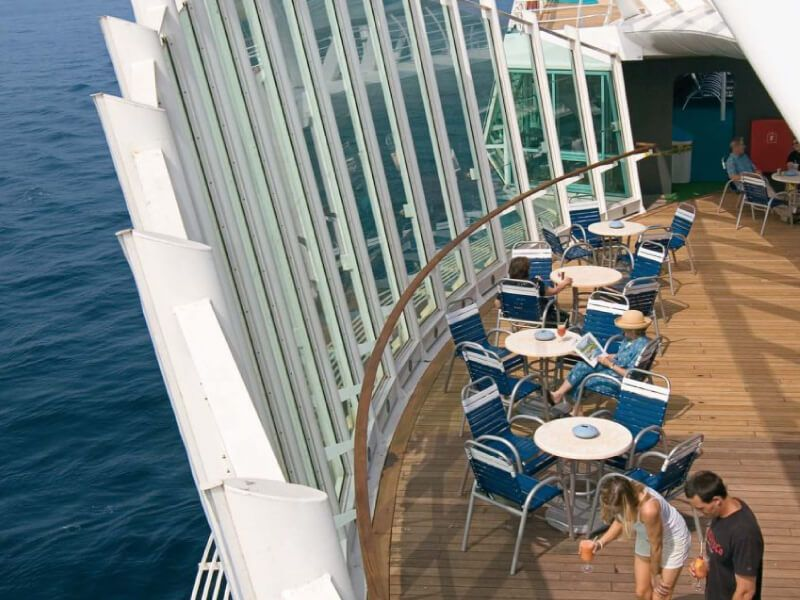 Vue-Sur-Mer-Enchantment-of-the-Seas