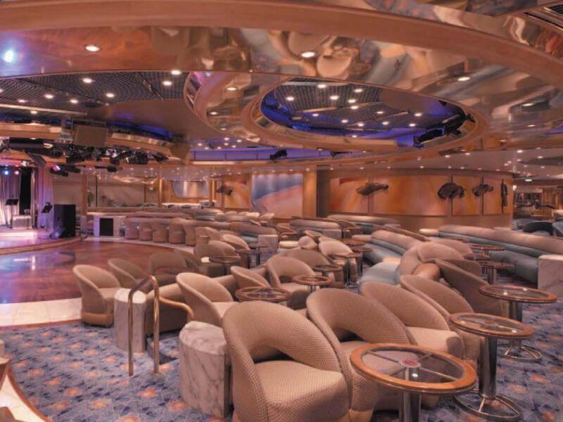 Lounge-Grandeur-of-the-Seas