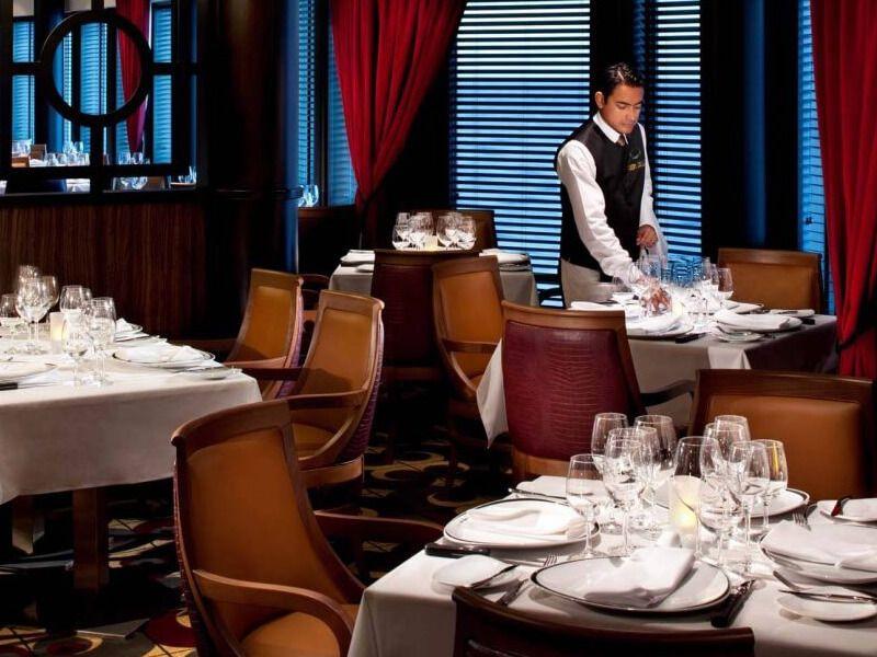 Restaurant-Chops-Grille-Grandeur-of-the-Seas