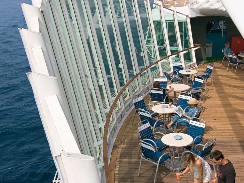 Vue-Sur-Mer-Grandeur-of-the-Seas