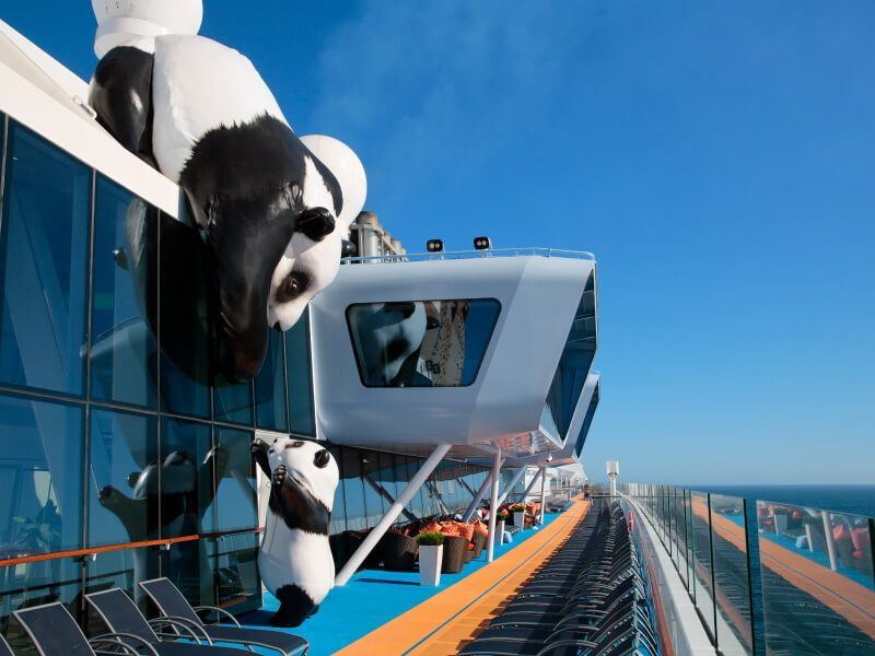 Pont-exterieure-ovation-of-the-seas