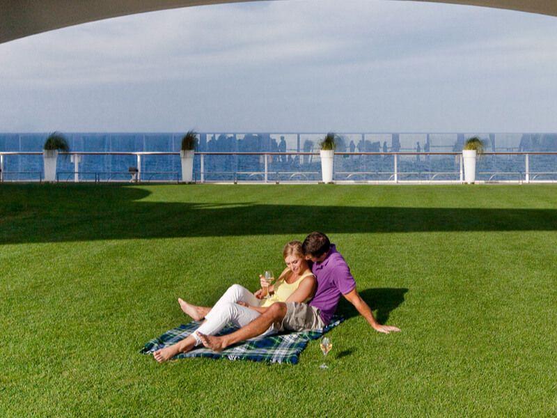 Lawn Club du bateau de croisière Celebrity Eclipse