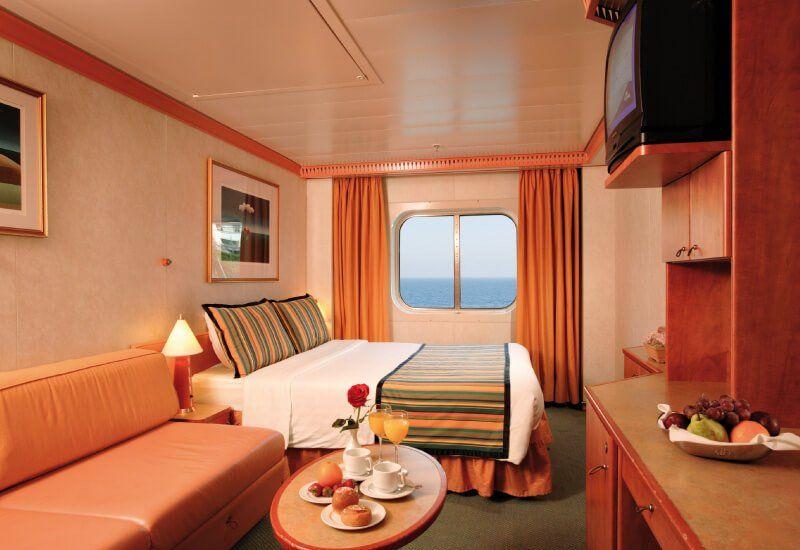Cabine extérieure du bateau de croisière Costa Luminosa