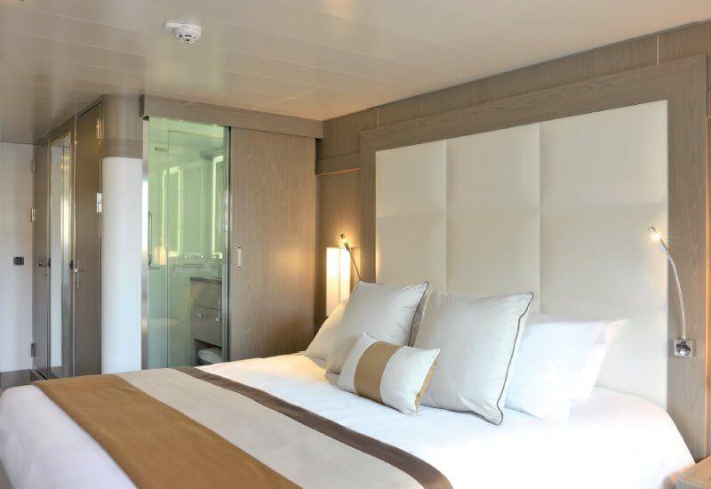 Cabine extérieure du bateau de croisière l'Austral de la compagnie de luxe Ponant