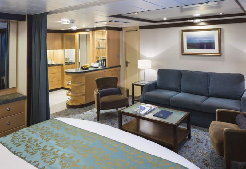 Suite-Explorer-of-the-Seas